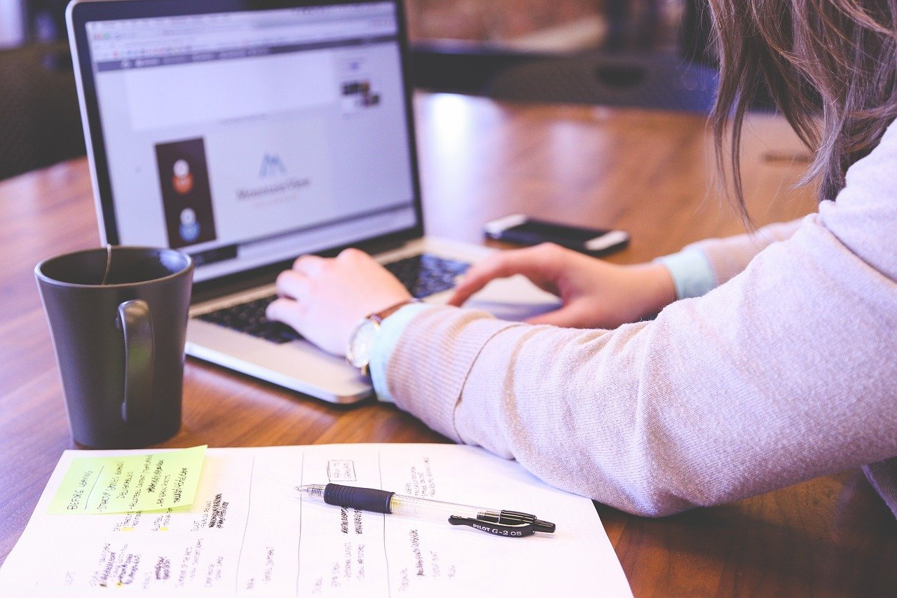 Praca zdalna – organizacja to klucz do sukcesu